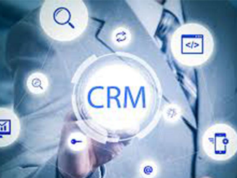 Grâce au CRM, de nombreuses entreprises, surtout les centres d'appels gèrent mieux leurs relations clients.