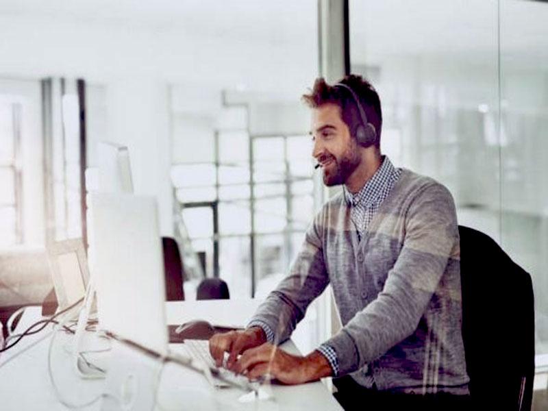 Avec des appels qui sont mal vus par les prospects, il est difficile d'en trouver des futurs clients sans qu'on vous juge comme étant intrusif. Avant de vous lancer, prenez en comptes ces astuces pour attirer des potentiels clients.