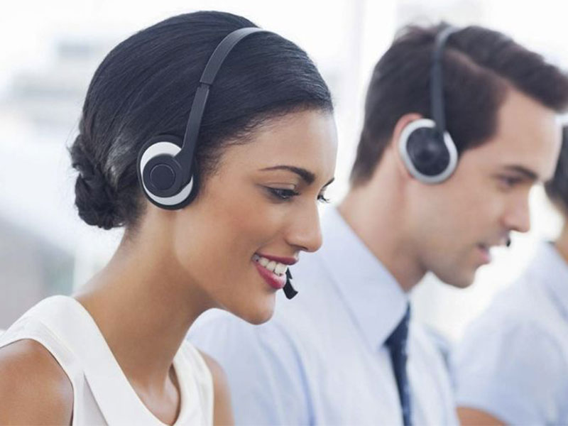 Dans nos centres d'appels, nous proposons des prestations de back office pour aider les entreprises à mieux gérer les données relatives à leur clientèle.