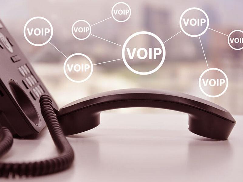 Au coeur des communications sans fil, la VoIP a révolutionné la relation client. Voici à quoi vous attendre en l'intégrant aux canaux traditionnels...