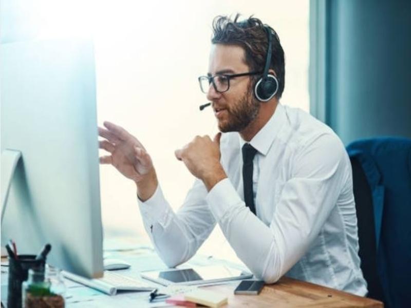 Le marketing direct est un moyen pour une firme, via un centre d'appels, de contacter les prospects ou clients.